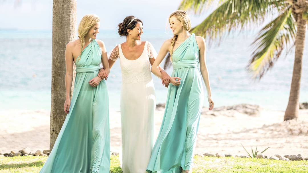 15 Things Every Bridesmaid Needs In Their Emergency Kit
