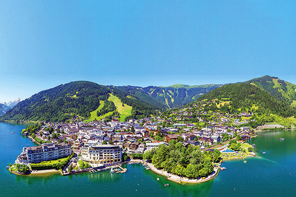 Zell am See waterfront and town