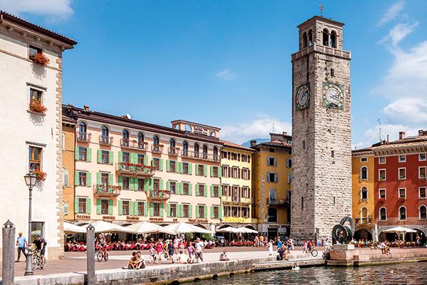 Torre Apponale clock tower